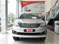 Cần bán xe Toyota Fortuner V 4x2 đời 2013, màu bạc, 640tr giá 640 triệu tại Tp.HCM