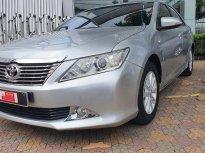 Bán xe Toyota Camry 2.0E đời 2013, màu bạc, chạy giữ ký 43.000km giá còn Fix đẹp giá 710 triệu tại Tp.HCM
