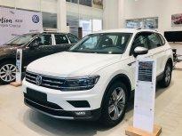 Cần bán xe Luxury Topline sản xuất 2019, màu trắng, nhập khẩu chính hãng giá 1 tỷ 799 tr tại Quảng Ninh