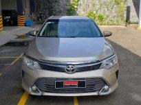 Xe Toyota Camry 2.0E đời 2015, màu bạc giá 770 triệu tại Tp.HCM