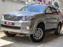 Bán Toyota Fortuner 2.7V đời 2014, màu bạc giá 640 triệu tại Tp.HCM
