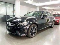 Bán Mercedes C180 2020 màu đen, nội thất kem siêu lướt, xe đã qua sử dụng chính hãng giá 1 tỷ 366 tr tại Hà Nội