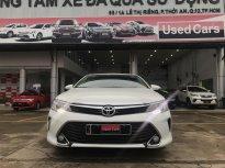 Cần bán lại xe Toyota Camry 2.0E đời 2016, màu trắng chạy 55.000km .giá cực tốt giá 800 triệu tại Tp.HCM