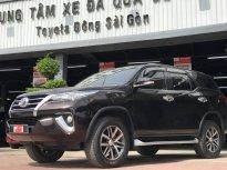 Cần bán lại xe Toyota Fortuner V đời 2017, màu nâu, xe nhập, giá còn Fix giá 960 triệu tại Tp.HCM