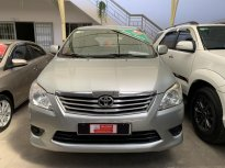 Cần bán xe Toyota Innova 2.0E đời 2013, màu bạc còn rất chất - giá cực đẹp giá 430 triệu tại Tp.HCM