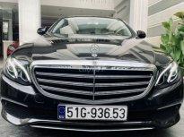 Cần bán xe Mercedes Benz E-200 đời 2019 đen, đi 15.000km giá 1 tỷ 789 tr tại Tp.HCM