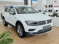 Volkswagen Tiguan xe Đức nhập khẩu nguyên chiếc - Mẫu SUV bán chạy nhất thế giới. Giảm ngay 120trieu. Sẵn xe giao ngay giá 1 tỷ 799 tr tại Quảng Ninh