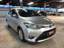 Cần bán Toyota Vios 1.5 E MT 2017, màu bạc Biển Sg CHuẩn chỉ 85.000km - hỗ trợ vay 70% giá trị xe . Giá còn FIX giá 430 triệu tại Tp.HCM