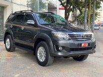 Cần bán xe Toyota Fortuner 2.7V 1 Cầu năm 2014, màu xám, bIỂN SG - chuẩn 113.000km giá 640 triệu tại Tp.HCM