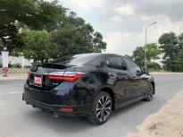 Cần bán xe Toyota Corolla altis 2.0V Sport đời 2018, màu đen chuẩn chỉ 24.000km, giá tốt giá 810 triệu tại Tp.HCM