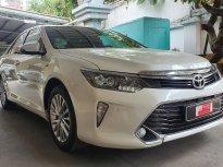 Cần bán Toyota Camry 2.5Q sản xuất 2019, màu trắng giá 1 tỷ 40 tr tại Tp.HCM